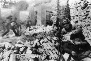 Recuperados de una fosa común en Rusia cerca de 200 caídos de la II Guerra Mundial